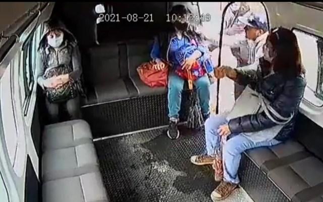 #Video Delincuente hiere de bala a chofer en Naucalpan en intento de asalto - Asalto al transporte público en Naucalpan