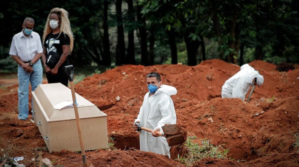 Cifra global de muertos por COVID-19 rebasa los 4.5 millones - Brasil panteón muertos covid coroonavirus