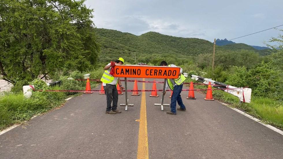 Trabaja SCT en reparación de carreteras afectadas por el ciclón Nora - Carreteras cerradas por daños ante el paso del huracán Nora