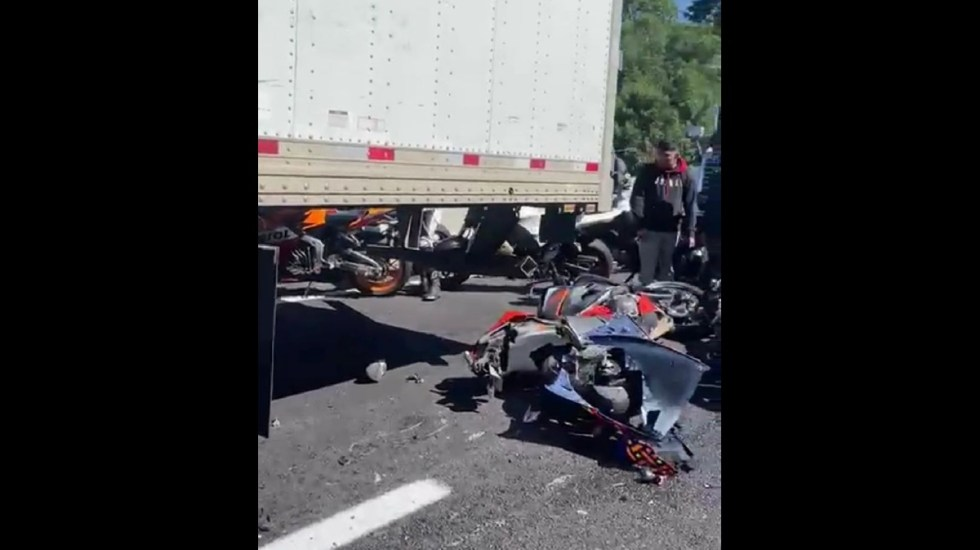 Accidente en la México-Cuernavaca deja 6 motociclistas muertos y 15 heridos - Accidente sobre la México-Cuernavaca. Foto: Especial