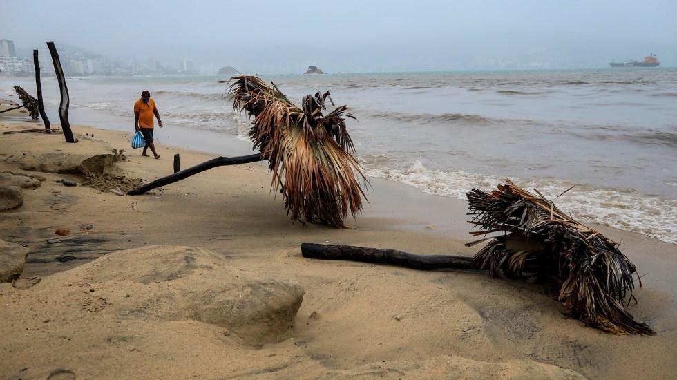 Huracán Nora avanza sobre Escuinapa, Sinaloa; ocasionará lluvia en 19 estados - Daños ocasionados por 'Nora' en la costa de Guerrero