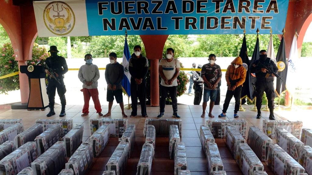 Dan prisión preventiva a tres mexicanos en El Salvador por tráfico de drogas - Detenidos en El Salvador por tráfico de drogas