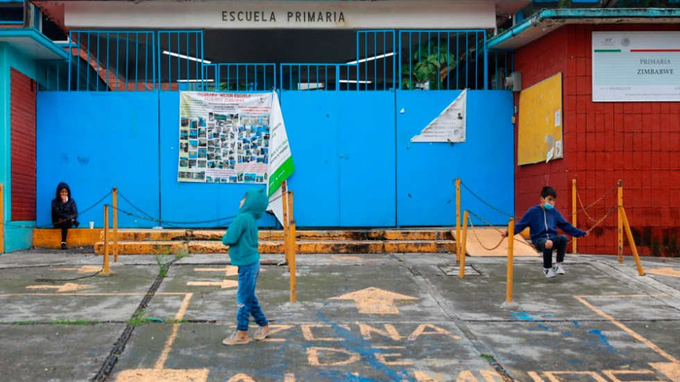 """Se han detectado """"muy pocos"""" casos de COVID-19 en escuelas: Sheinbaum - escuelas clases Mexico CDMX carta"""