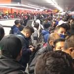 #Video Caos en Línea 9 del Metro por suspensión del servicio