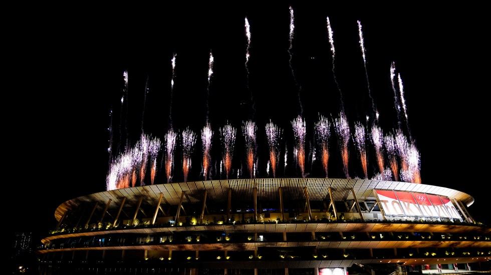 #Fotos Clausuran los Juegos Olímpico de Tokio 2020 - Fuegos artificiales en Estadio Olímpico de Tokio por Ceremonia de Clausura. Foto de EFE/EPA/FRANCK ROBICHON