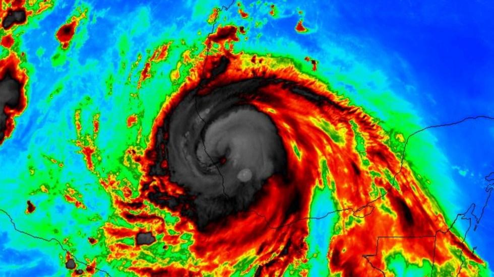 Grace se intensifica a categoría 3 cerca de impactar Veracruz - Huracán Grace Categoría 3
