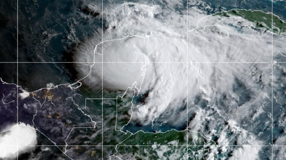 """Ante huracán Grace, AMLO asegura que """"todo el Gobierno está pendiente"""" - Huracan Grace Quintana Roo NOOA 19AGO21"""
