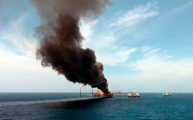 Incendio en plataforma de Pemex deja un muerto y varios desaparecidos - Incendio en plataforma petrolera de Pemex en Campeche