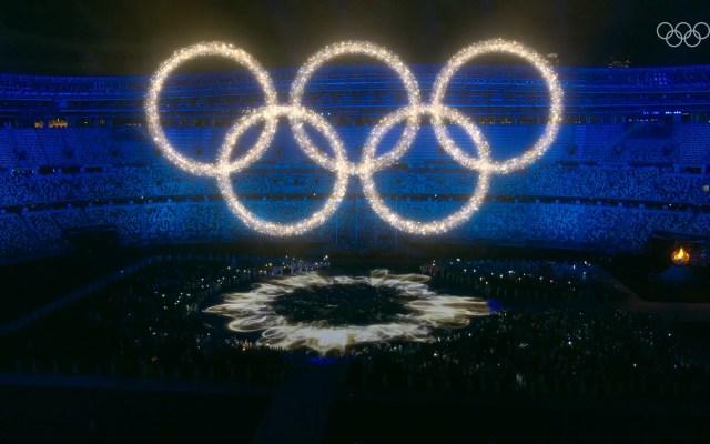 Los Juegos Olímpicos de Tokio 2020 en Twitter - Juego de luces en forma de aros olímpicos Twitter