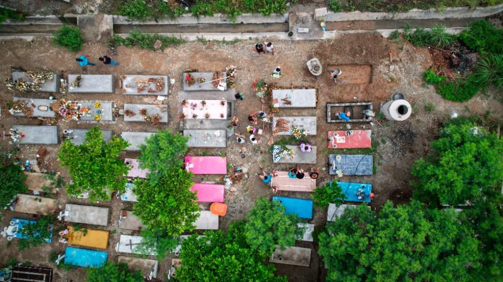 México tiene durante pandemia medio millón de defunciones más de las esperadas; 71.7% por COVID-19 - Panteón Acapulco Guerrero México COVID coronavirus defunciones OPS