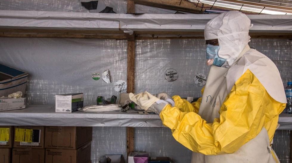 OMS confirma primera muerte por virus de Marburgo en África - Personal sanitario en Guinea