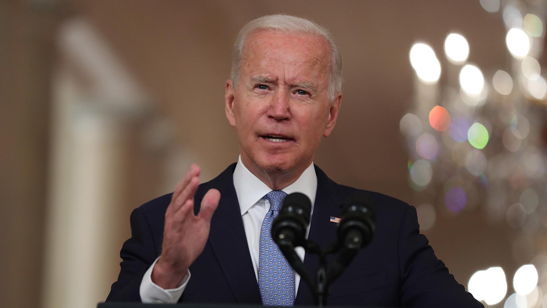 Biden presume evacuación de más de 120 mil personas de Afganistán