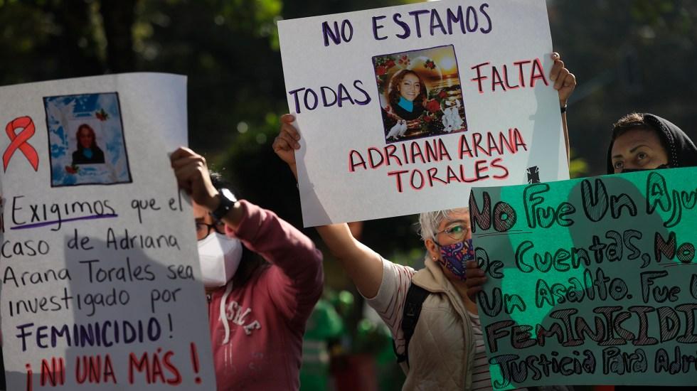 Familiares claman justicia por Adriana Arana, presuntamente asesinada por su exesposo - Protesta para exigir justicia por asesinato de Adriana Arana