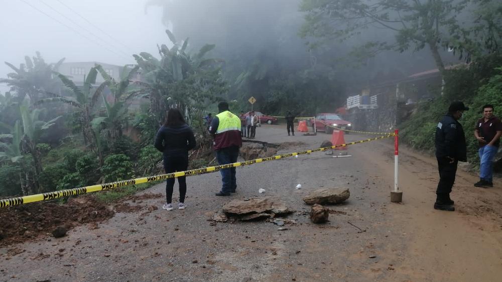 Tras paso de Grace, sube a cinco el número de muertos en Puebla - Puebla ciclón Grace daños
