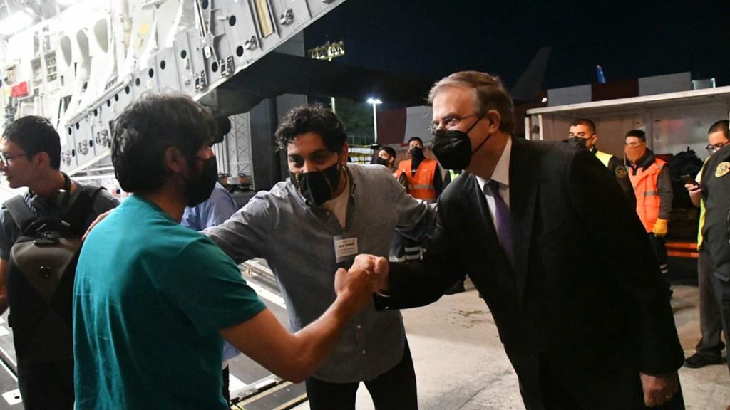 México acoge a 124 reporteros afganos y sus familias - Recepción en México de reporteros afganos