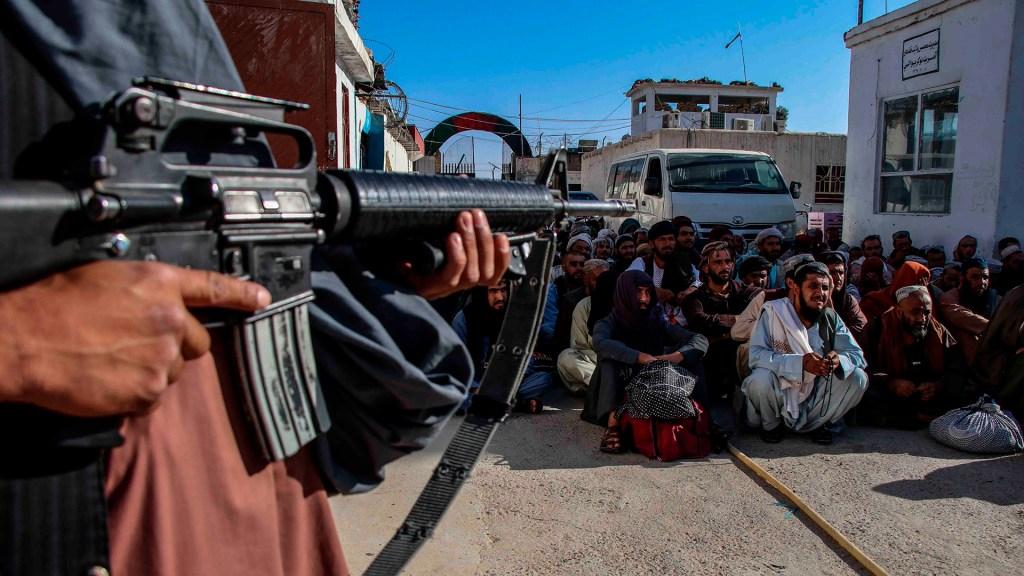 Talibanes decapitan a jugadora de voleibol - talibanes