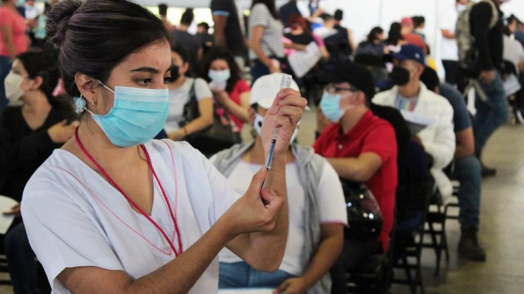 Aplicarán segundas dosis de vacuna contra COVID-19 en seis alcaldías de CDMX - Vacunación contra COVID-19 en Iztacalco segundas dosis