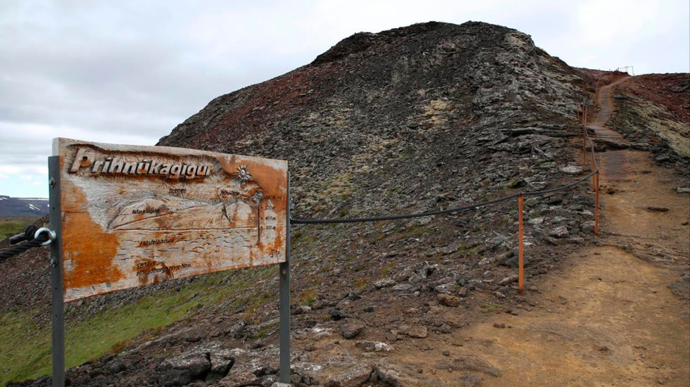 ¿Cómo entrar en el cráter de un volcán y descender 120 metros en su interior? - Volcán Thrihnukagigur. Foto de Ivonne Frid.