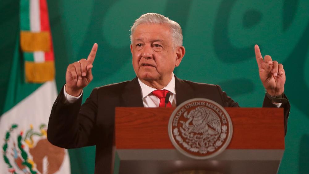 AMLO pide a sus seguidores respetar a quienes piensan distinto a él - AMLO López Obrador tómbola seguidores Fitch