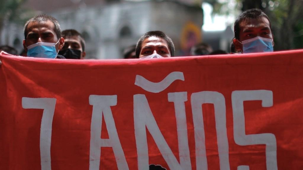 Siete años de Ayotzinapa con solo tres identificados y un funcionario prófugo - Ayotzinapa AMLO solicitó apoyo al primer Ministro de Israel para extradición de Tomás Zerón. Foto de EFE