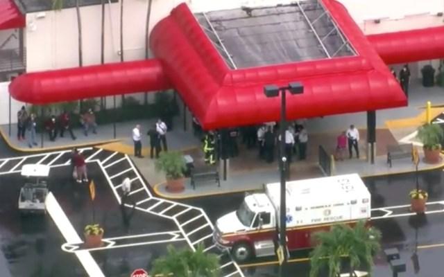 Varios heridos al caer parte del techo de casino en Florida - Casino Florida explosión