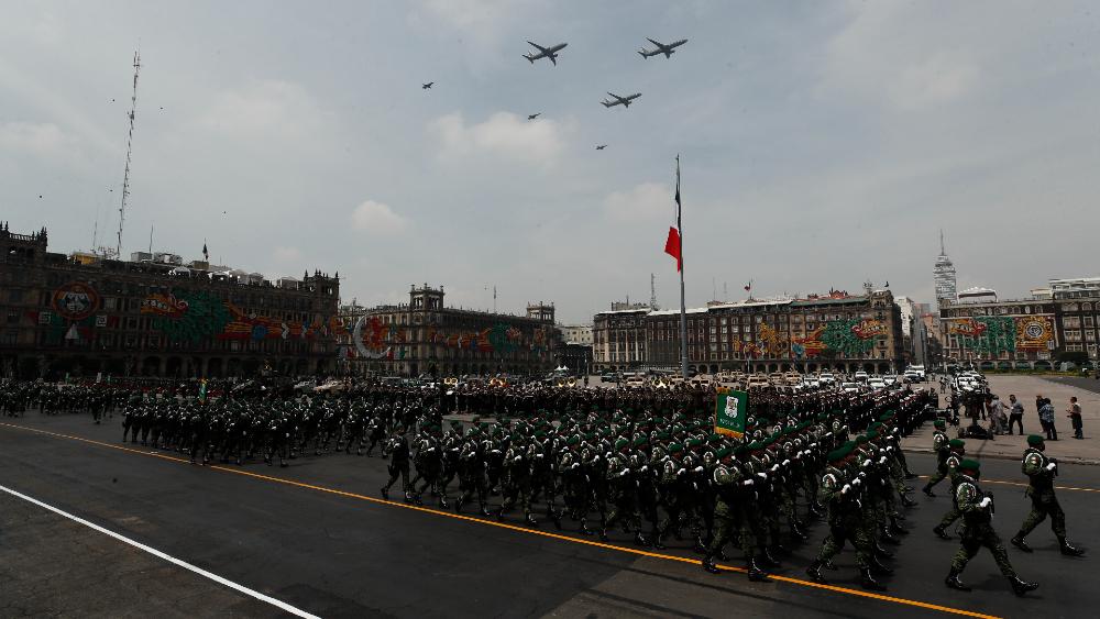 Así fue el Desfile militar por el 211 aniversario del inicio de la Independencia - Desfile militar Independencia México soldados 2