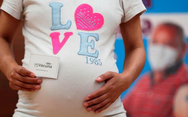 Embarazadas dependen más de la segunda vacuna para lograr inmunidad total - Imagen de archivo de una mujer embarazada. Foto de EFE