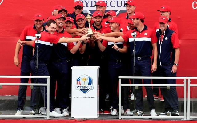Estados Unidos se alza con la Ryder Cup - El equipo estadounidense celebra su victoria en la Ryder Cup de 2020 (retrasada por la pandemia) en el circuito de Whistling Straits de Kohler, Wisconsin, Estados Unidos. Foto de EFE/ Tannen Maury.