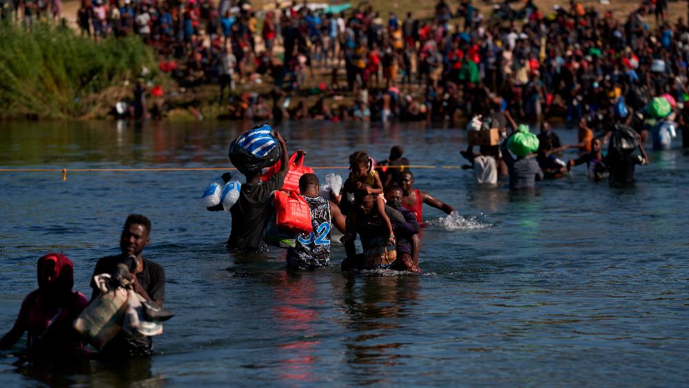 Ebrard aborda con Blinken crisis de haitianos en la frontera - haitianos México EEUU Del Río