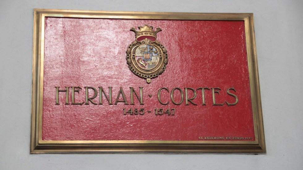 España no se plantea repatriar los restos de Hernán Cortés - Hernán Cortés placa tumba