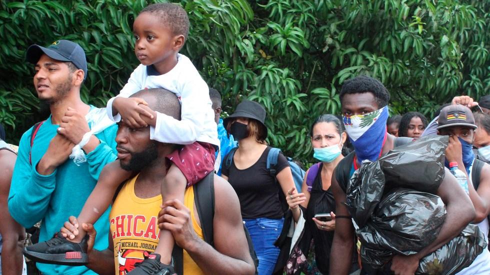 Si México aceptó ser 'muro' de EE.UU., debió preparar a las instituciones para atender a migrantes: Eunice Rendón - Integrantes de caravana migrante a su paso por Chiapas