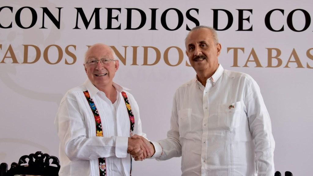 Embajador Ken Salazar se reúne con gobernador interino de Tabasco - Ken Salazar con gobernador interino de Tabasco