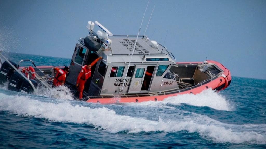 Localizan en Guerrero cuerpo de uno de seis pescadores desaparecidos - Lancha de búsqueda y rescate de la Semar