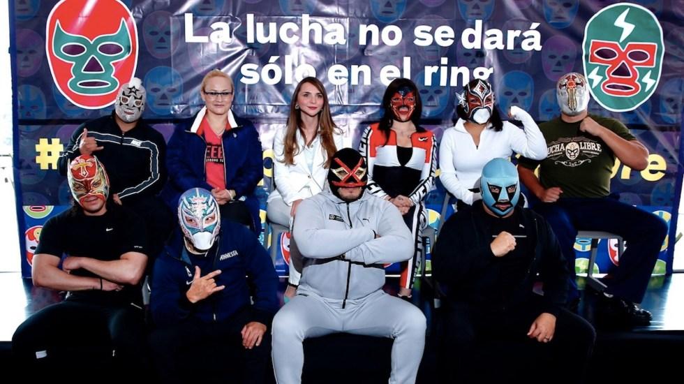Luchadores piden regulación en el Día Nacional de la Lucha Libre - Luchadores piden regulación en el Día Nacional de la Lucha Libre. Foto de EFE
