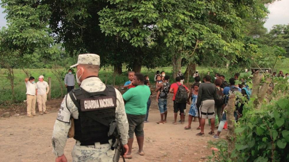 Denuncian maltrato de autoridades de migración contra haitianos - Denuncian maltrato de autoridades de migración contra haitianos. Foto de EFE