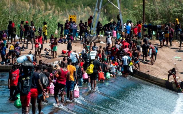"""Atender migración requiere de un """"tratamiento del todo nuevo"""": AMLO da a conocer carta a Biden - migrantes migración haitianos carta"""