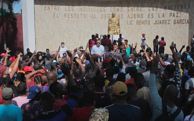 """Activistas realizan en Tapachula """"ayuno por la libertad"""" de migrantes - Migrantes que piden salir de Tapachula, Chiapas"""