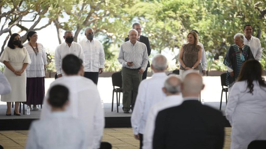 México y Belice honran a José María Morelos y Pavón - México y Belice honran a José María Morelos y Pavón. Foto de Twitter Cuauhtémoc Blanco