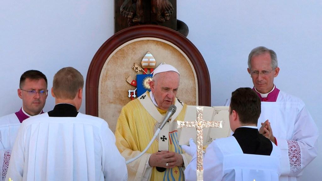 #Video Papa Francisco pide 'por los sedientos' de nuestros tiempos - Papa francisco en hungría