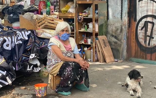 Desalojan a adulta mayor en CDMX pese a tener COVID-19 - Señora María, desalojada de su vivienda en la Cuauhtémoc