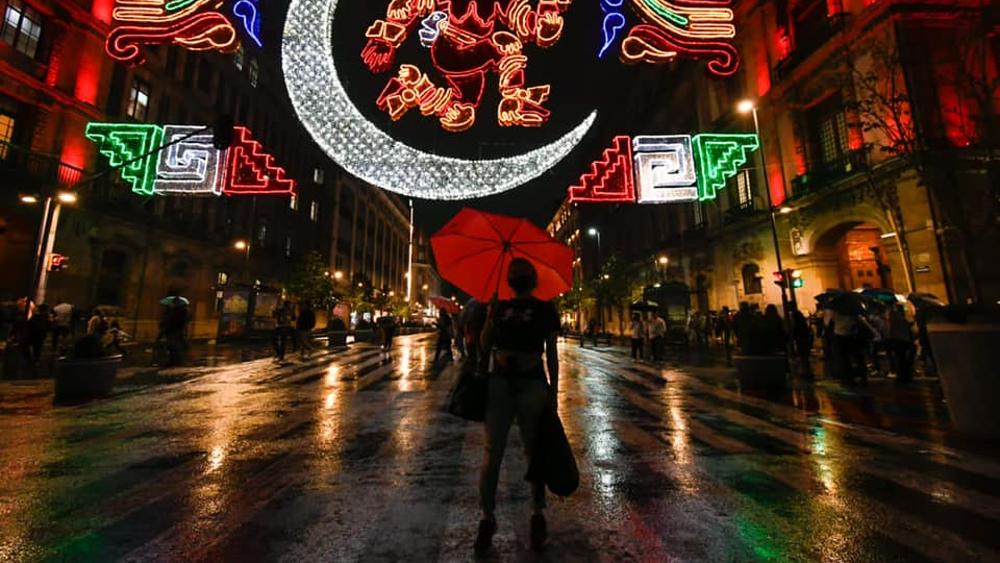 Zócalo CDMX iluminación Tenochtitlán