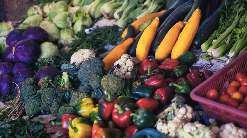 ONU dice que 3 mil millones de personas carecen de acceso a dieta saludable - Alimentos