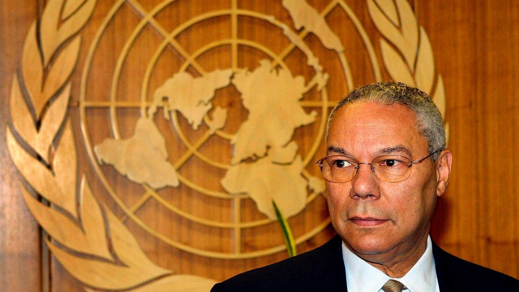"""Colin Powell, el general impecable """"manchado"""" por Irak - Colin Powell en la ONU"""