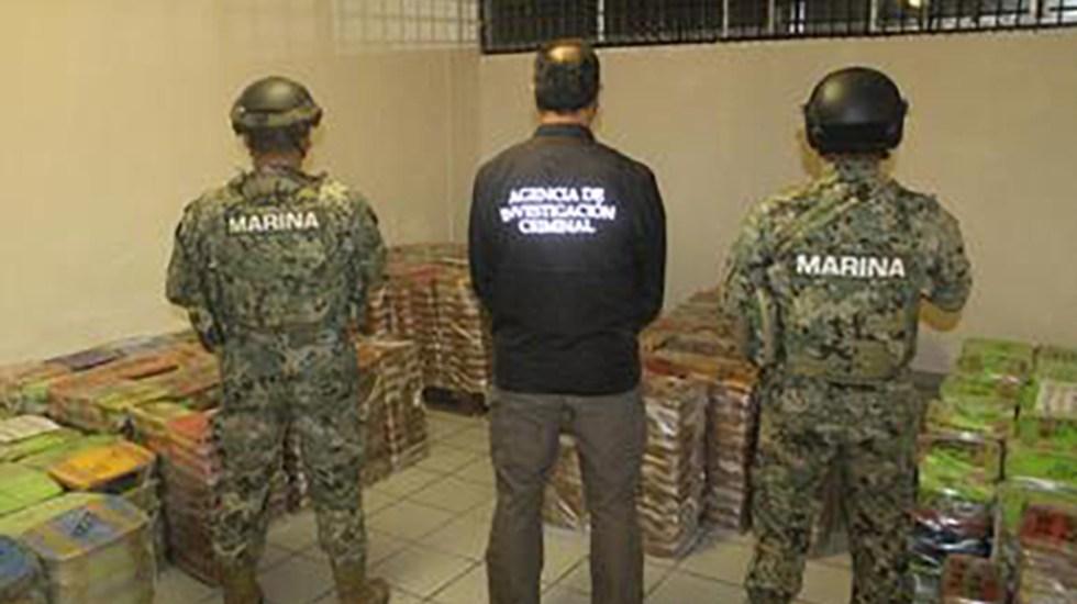 Aseguran en Baja California más de 2 mil kg de metanfetamina, mariguana y combustible - Droga asegurada en Baja California