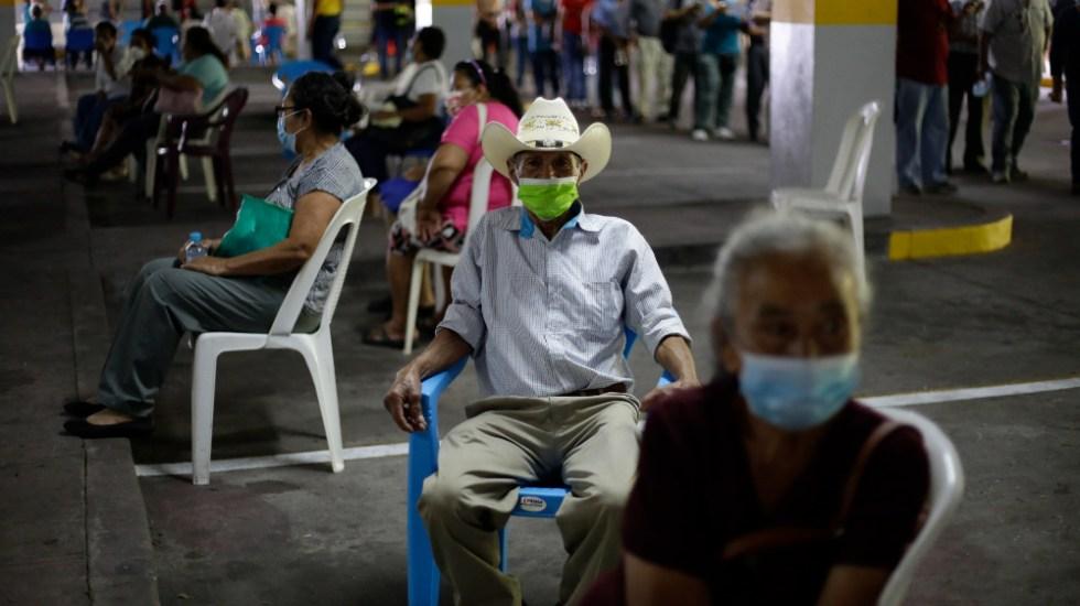 Más de 61 mil salvadoreños reciben tercera dosis contra COVID-19 - El Salvador salvadoreños vacunación anticovid dosis