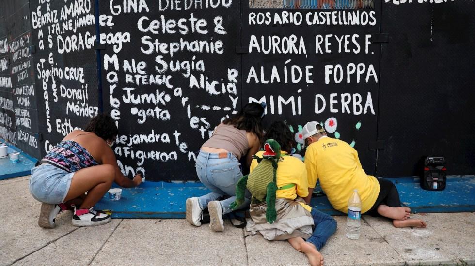 Feministas intervienen por segunda vez la glorieta de Colón - Feministas glorieta de Colón Ciudad de México Reforma