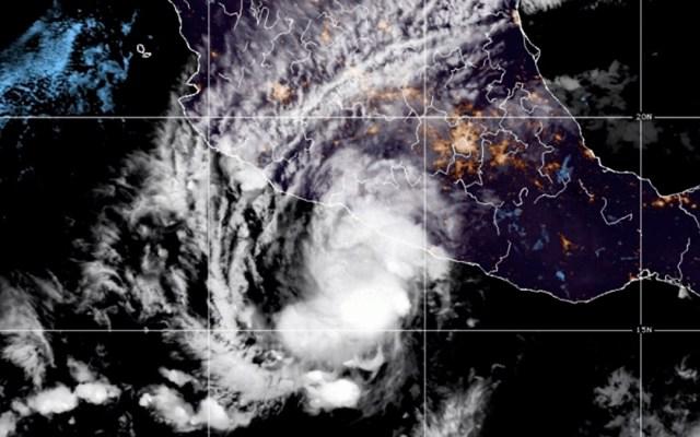 'Rick' avanza con lluvias hacia Michoacán; podría elevarse a huracán categoría 2 - Huracán Rick