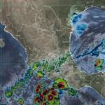 Rick se intensifica a huracán categoría 1; avanza frente a Guerrero