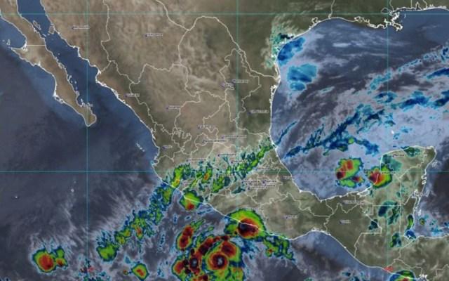 Rick se intensifica a huracán categoría 1; avanza frente a Guerrero - Rick se intensifica a huracán categoría 1; avanza frente a Guerrero. Foto de Conagua Clima