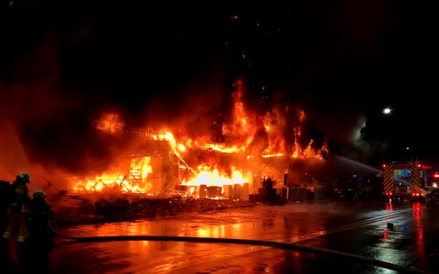 Incendio en edificio residencial de Taiwán deja al menos 46 muertos - Incendio en edificio de Taiwán